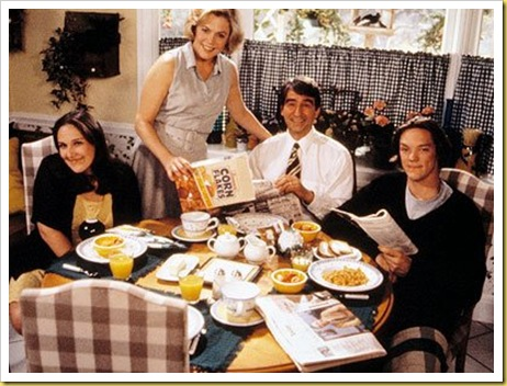 Serial-Mom-Rikki_l